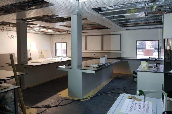 schilderwerk in laboratorium LUMC Leiden