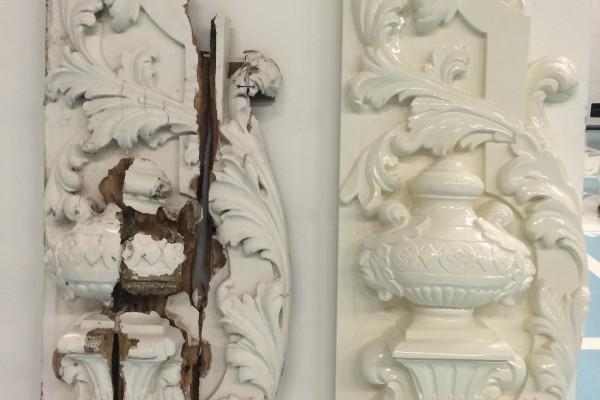 houtsnijwerk door Van Doorn De Bilt voor Universiteit Utrecht